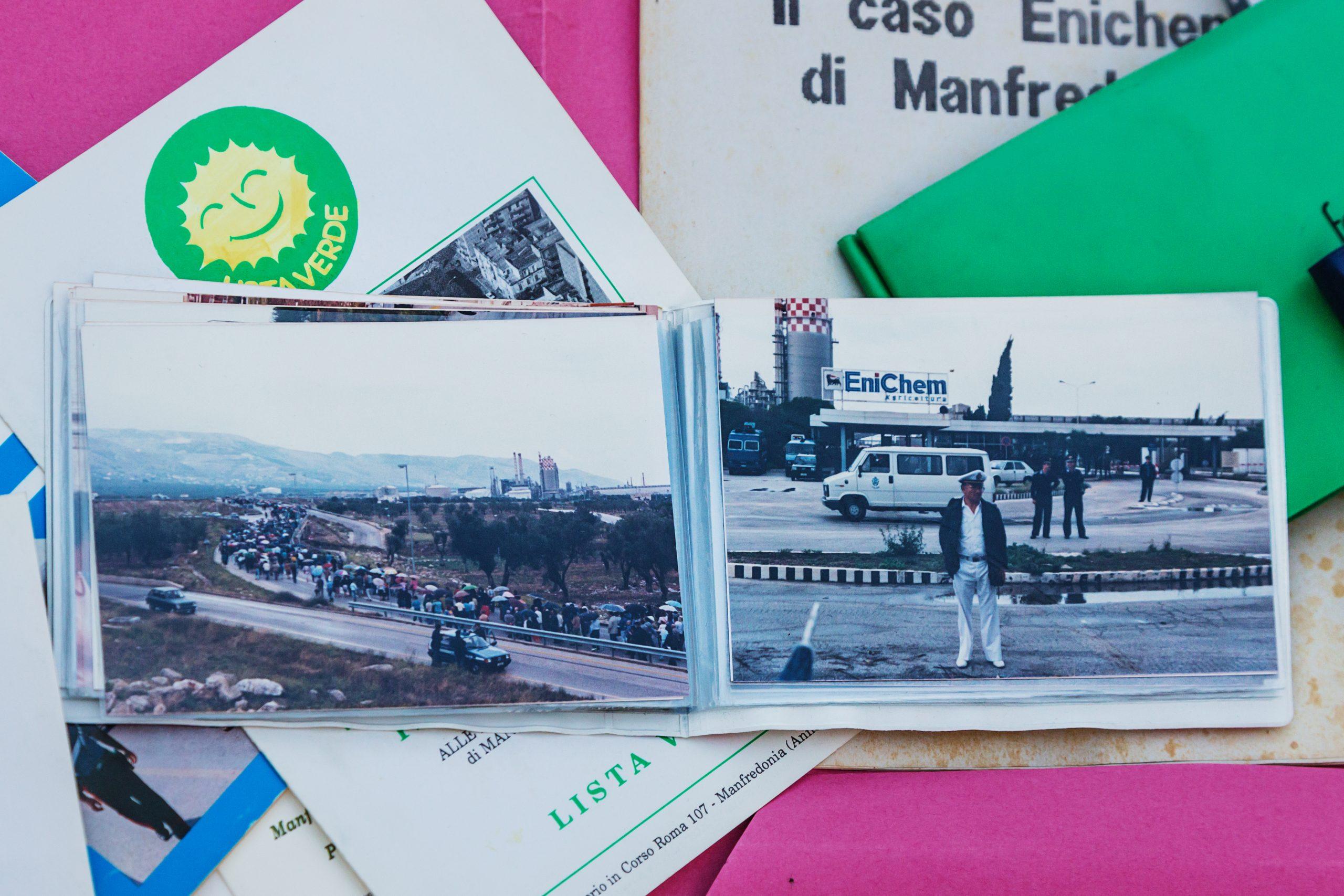 Manfredonia - Foto storiche (di Mimmo Guerra): a sinistra la marcia di protesta verso il complesso EniChem, a destra una foto dell'impianto ora demolito.