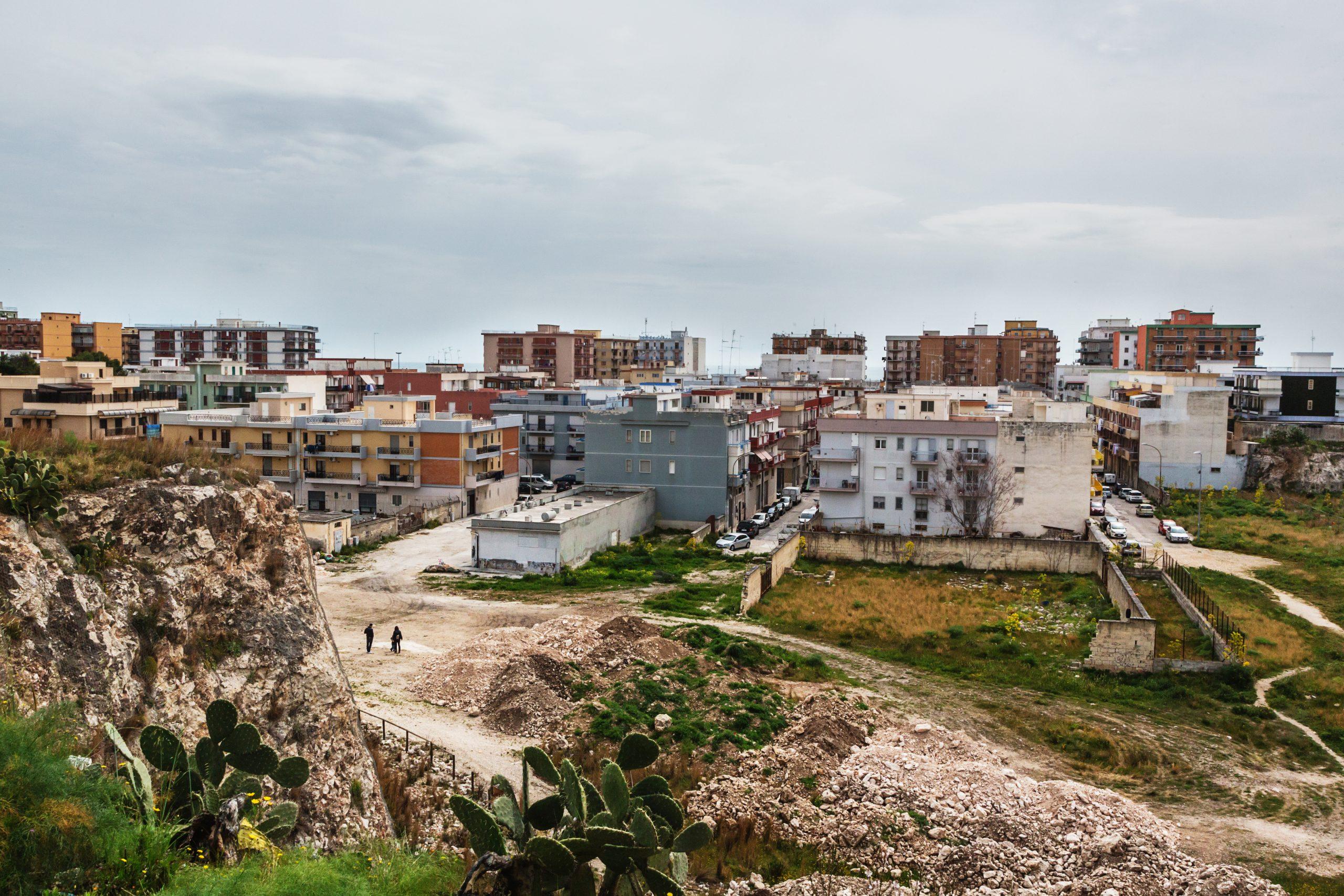 Manfredonia - Vista sul quartiere di Cava Gramaziocostruito sulla ex cava omonima